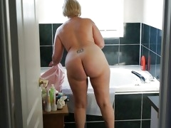 mature lady butts 1