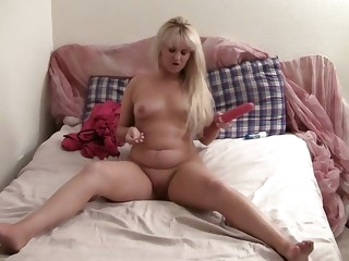 Check out this great solo action with kinky young slut