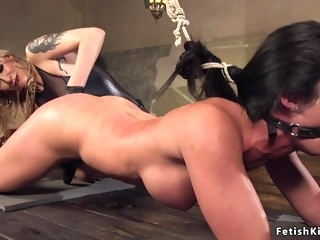 Blond Maitresse whips very hot backside darkhaired babe