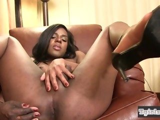 TS ebony masturbating after interview