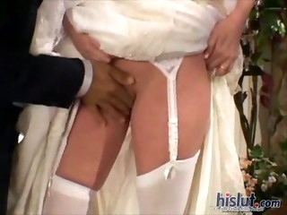 Taylor is a naughty bride